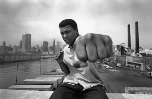 """""""Para ser un gran campeón, tienes que creer que eres el mejor, si no lo eres, haz como si lo fueras"""""""